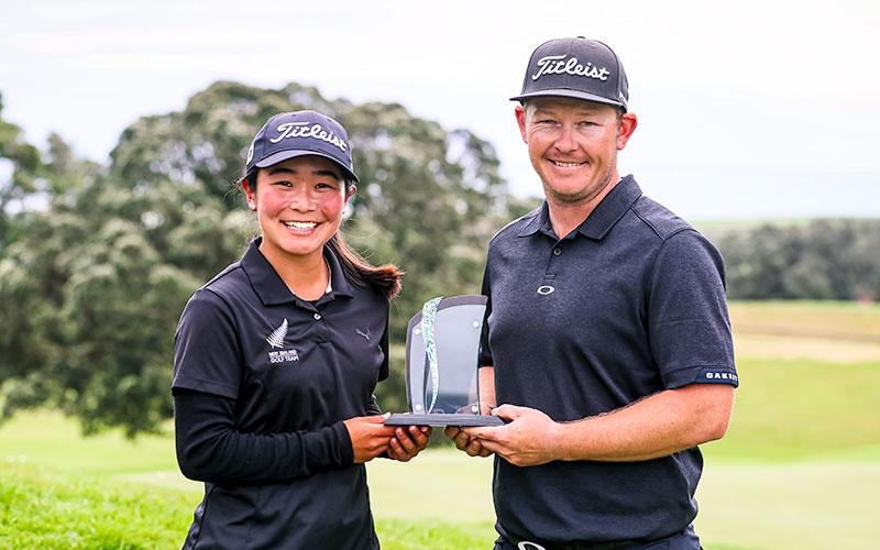 Momoka Kobori with Taranaki Open winner Kieran Muir (NZ Golf)