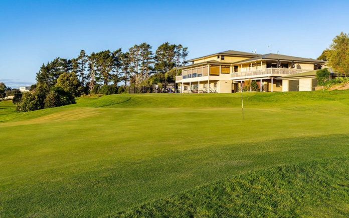 Mangawhai Golf Clubhouse 18th Green