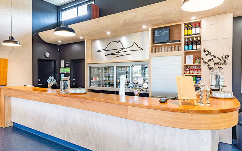 Stylish new Mangawhai Golf Club bar