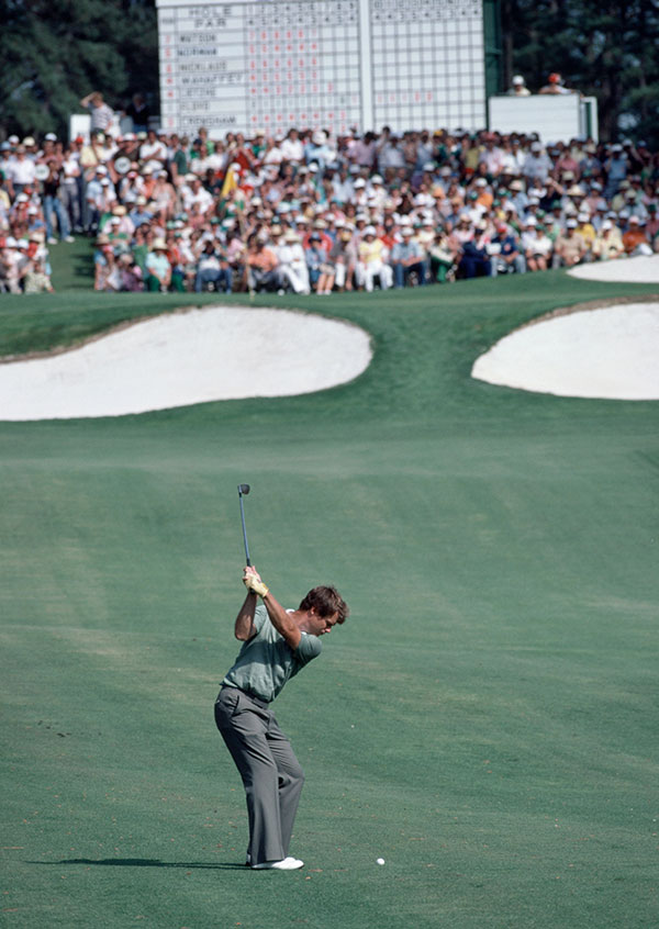 ROLEX TESTIMONEE TOM WATSON PLAYS A SHOT EN ROUTE TO WINNING THE MASTERS FOR A SECOND TIME IN 1981