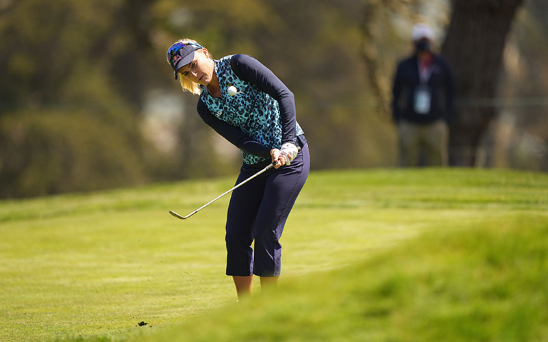 Lexi Thompson hits a pitch shot during the final round at the 2021 U.S. Women's Open at The Olympic Club in San Francisco, Calif. on Sunday, June 6, 2021. (Darren Carroll/USGA)