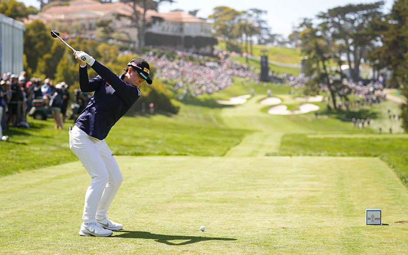 Yuka Saso plays her tee shot on the 18th hole during the final round at the 2021 U.S. Women's Open at The Olympic Club in San Francisco, Calif. on Sunday, June 6, 2021. (Darren Carroll/USGA)